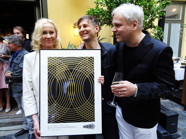 Agnetha receives SKAP Award