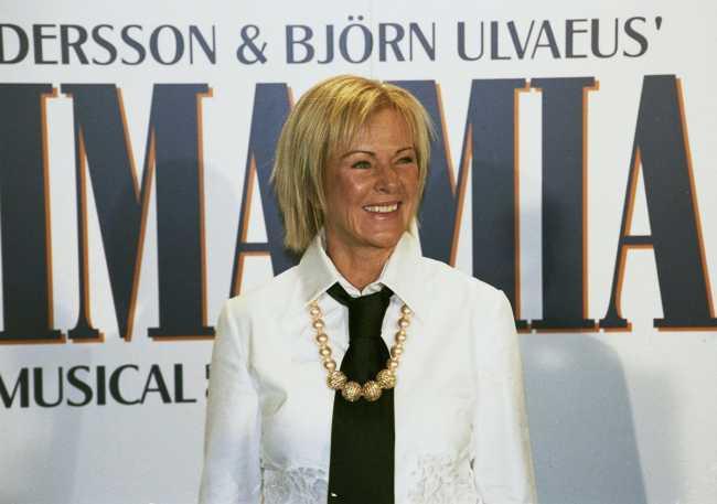 Resultado de imagen de mamma mia musical premiere in madrid nov, 2004