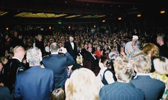 Standing ovations for the ABBA members - © Klaus Will